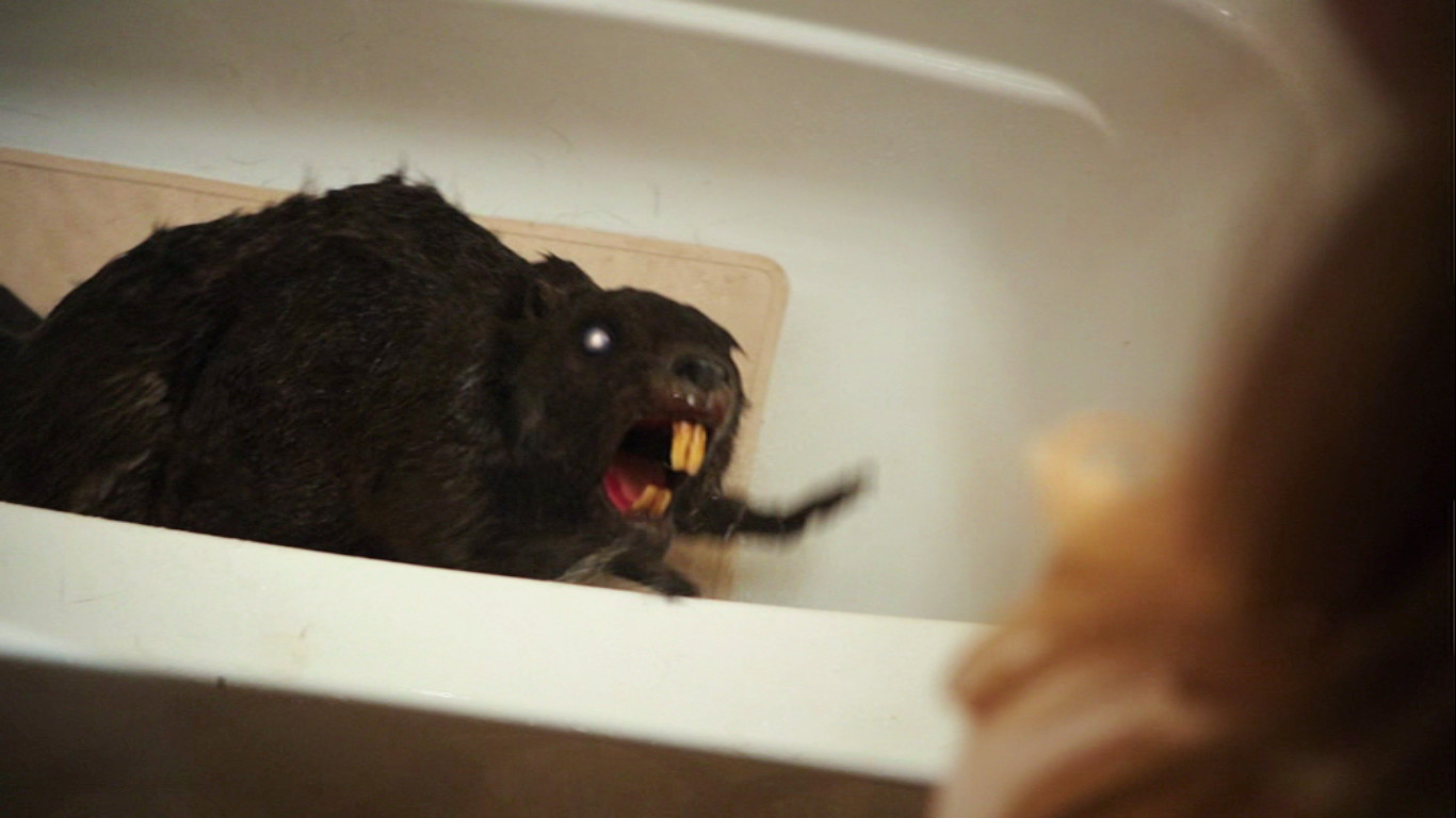 Zombeavers - Bath Beaver